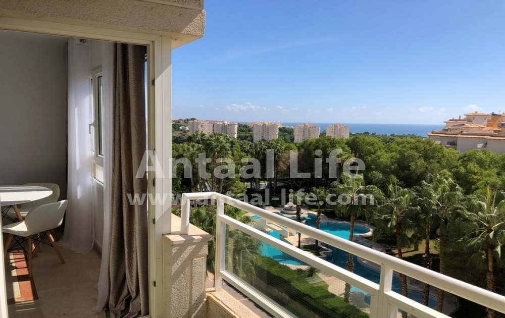 Excellent apartment overlooking the sea and the pine forest in Dehesa de Campoamor