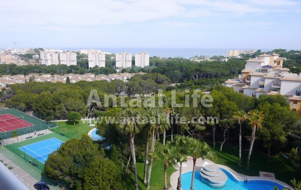 Apartment with sea and pine grove views in Campoamor, Alicante